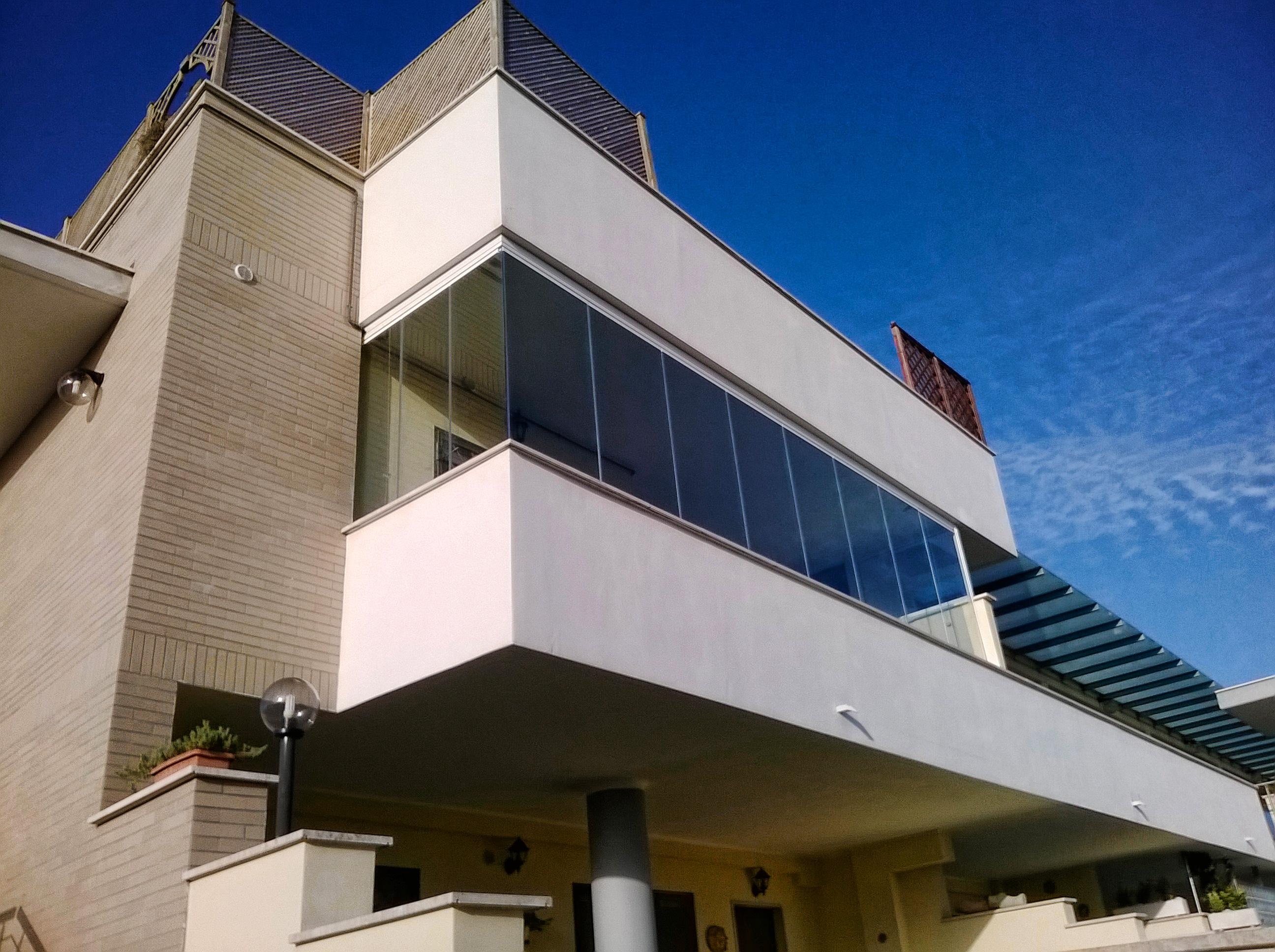 balcone finestrato