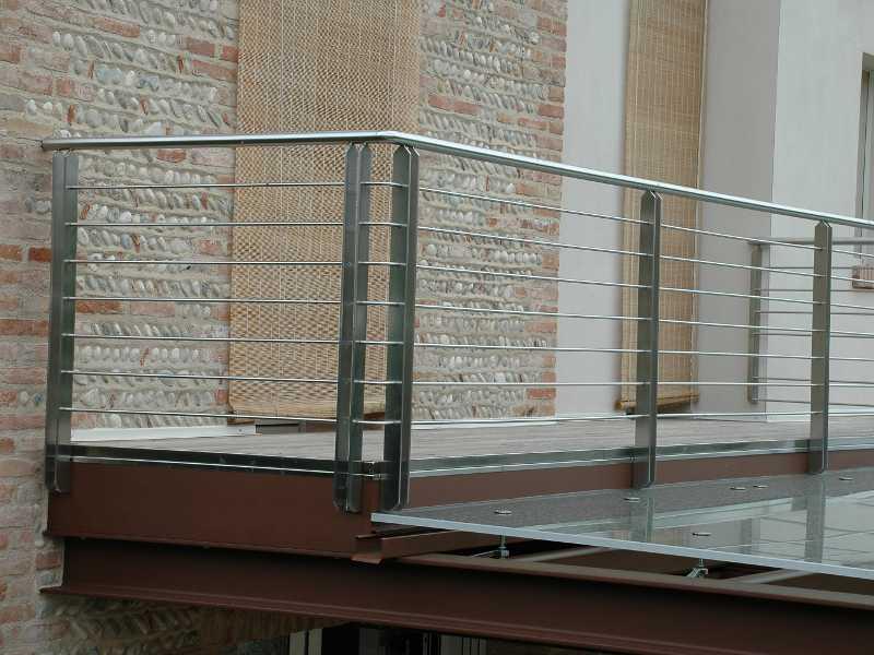 parapetto-acciaio-balcone