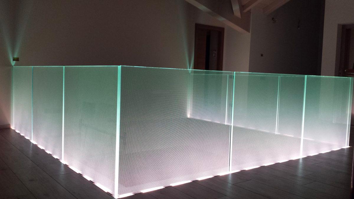 parapetto in vetro con luci