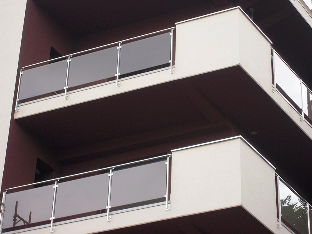 parapetto vetro condominio
